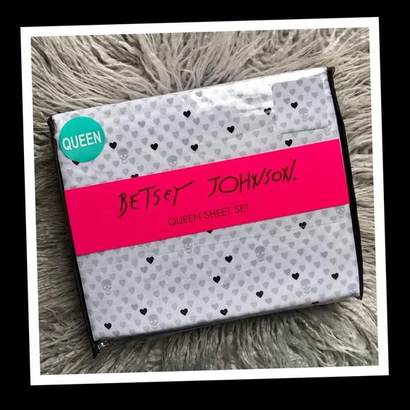 Betsey Johnson Queen Size Sheet Set Pink Skulls Lace Polka Dot Gray